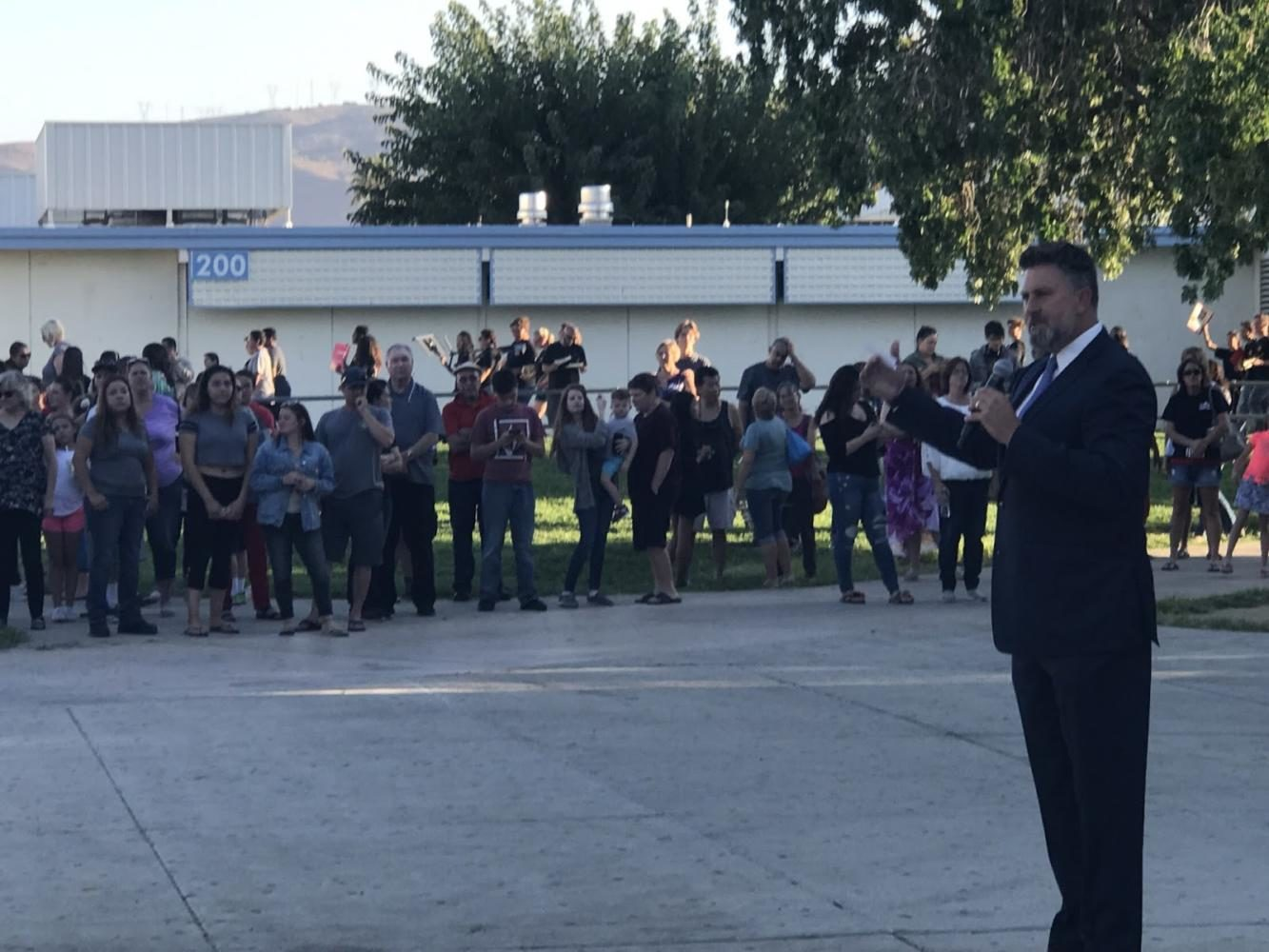 Principal+Anderson+addresses+parents+at+Back-To-School+night.